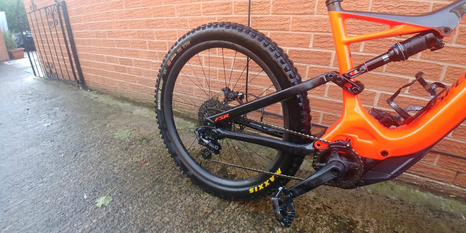 56da88dec7a SOLD 2018 Specialized Turbo Levo FSR Carbon Expert (Large): £3,950 ...